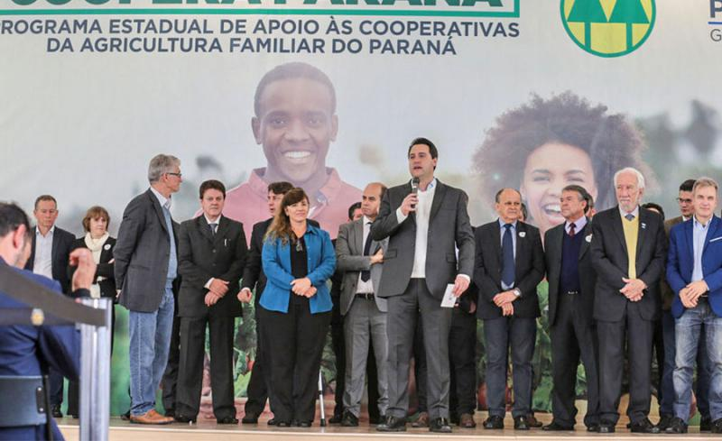 Governador Ratinho Junior lança programa de incentivo à agricultura familiar